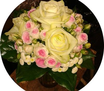 Beispiel: Brautstrauß, Foto: Blumen Reichert.