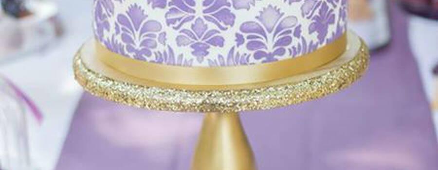 Beispiel: Hochzeitstorte, Foto: Sweet Candy Table.