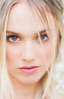 Fotografía de Lidia Clemente, maquillaje de Sophie Make up para la firma You&Me Project.