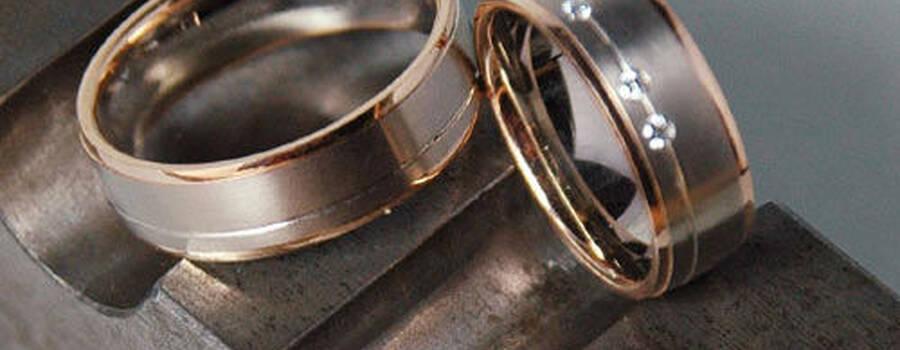 Beispiel: Wunderschöne Trauringe, Foto: Lachmann's Goldschmiede.