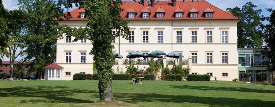 Beispiel: Aussenansicht, Foto: Landhotel Schloss Teschow.