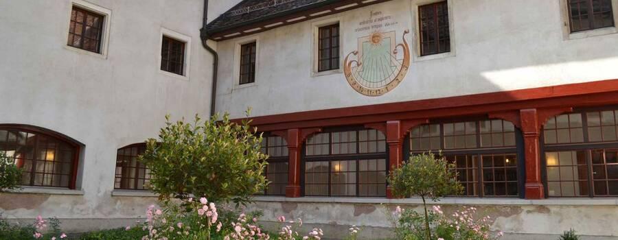 Beispiel: Aussenansicht, Foto: Hotel Kloster Dornach.