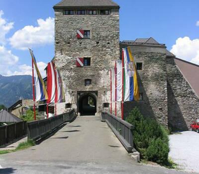 Beispiel: Außenansicht, Foto: Burg Oberkapfenberg.