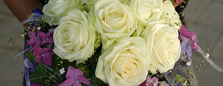 Beispiel: Wunderschöner Brautstrauß, Foto: Blütenraum.