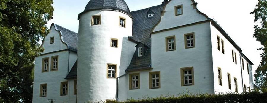 Beispiel: Aussenansicht, Foto: Schlosshotel Eybar.