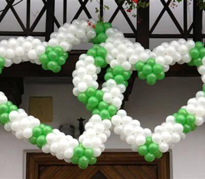 Beispiel: Ballonherzen, Foto: Ballon Werkstatt.