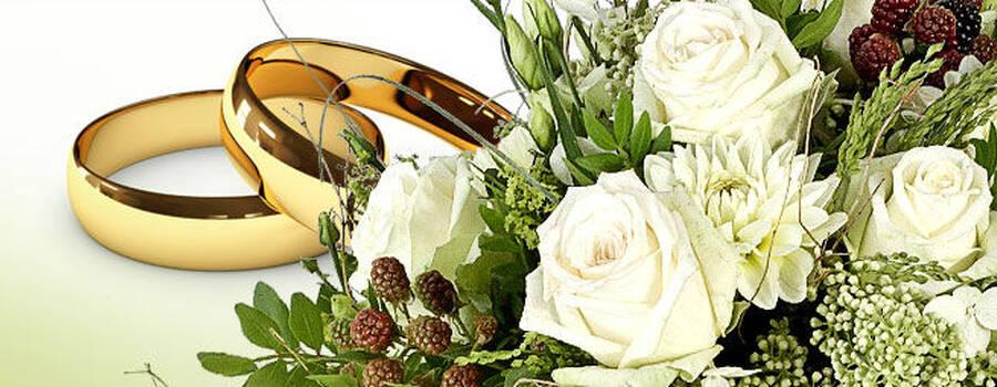Beispiel: Blumenstrauß mit weißen Rosen, Foto: Valentins.de Blumen & Geschenke.