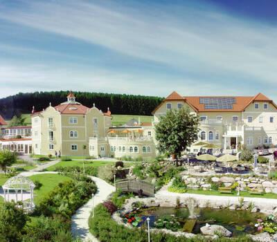 Beispiel: Außenansicht - Gartenanlage, Foto: Loveness - Hotel BERGERGUT.