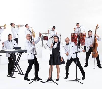 Los de la Noche Banda En Vivo / 2016