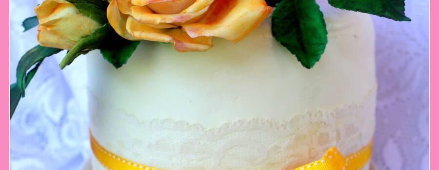 VINTAGE ROSE  CARROT CAKE  E FROSTING AL MASCARPONE