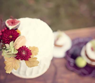 Bolo de avelã com compota de figo