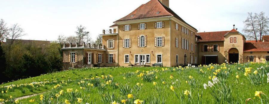 Beispiel: Außenansicht, Foto: Schloss Fachsenfeld.