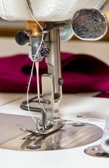 Artystyczne Krawiectwo Miarowe, Usługa Drugie Życie Sukni, na miejscu przeróbki i dopasowanie sukni