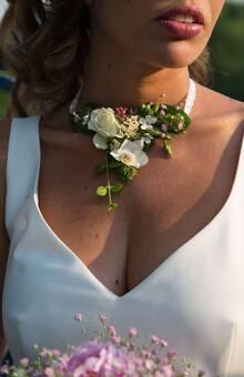 Collier Mariée Des Bulles dans les Branches - Bijou éphémère, bijou fleurs fraîches
