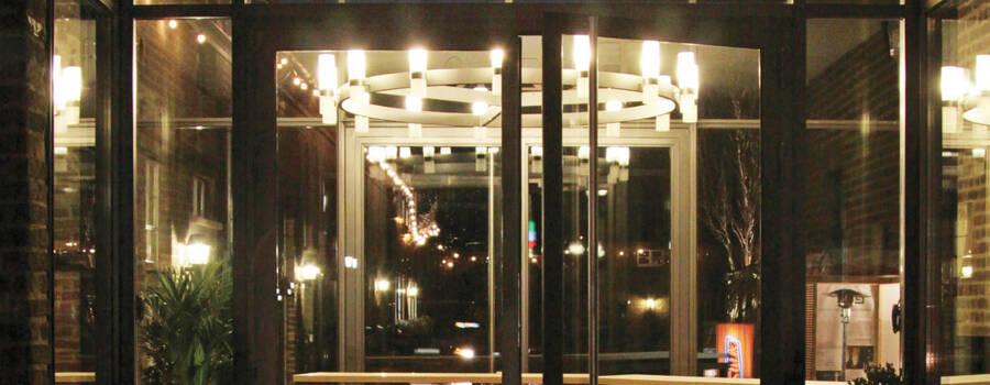 Beispiel: Außenansicht - Eingang, Foto: Eltzhof - das Kulturgut.