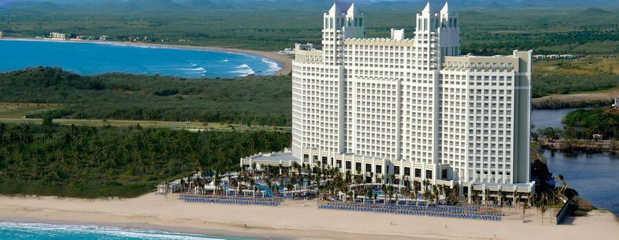 Cerritos Resort .