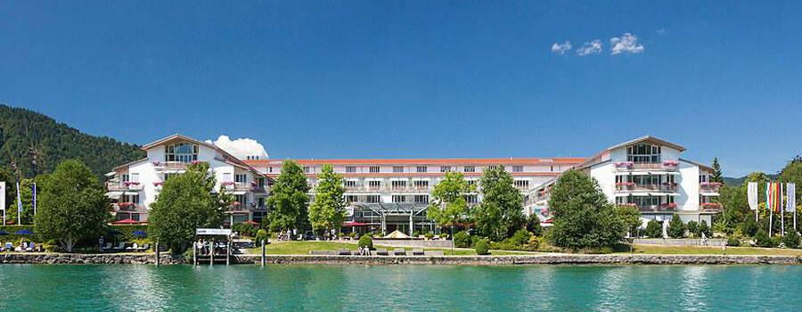 Beispiel: Ansicht vom See, Foto: Althoff Seehotel Überfahrt.