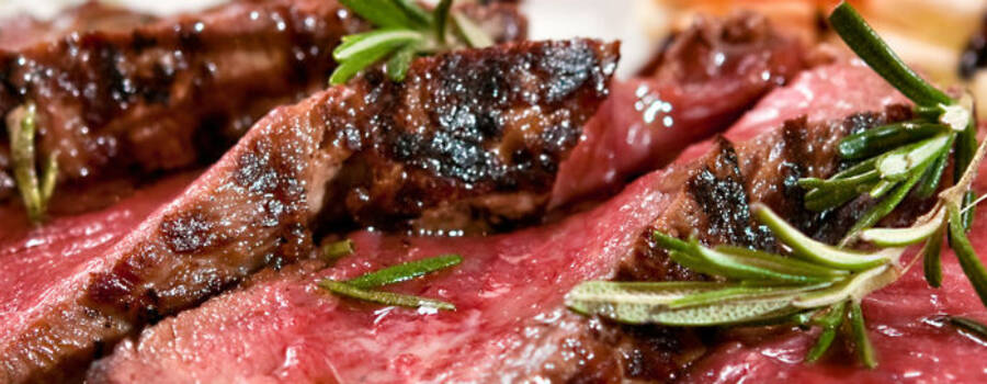 Beispiel: Frisch zubereitete Lebensmittel, Foto: Cook & More Services.