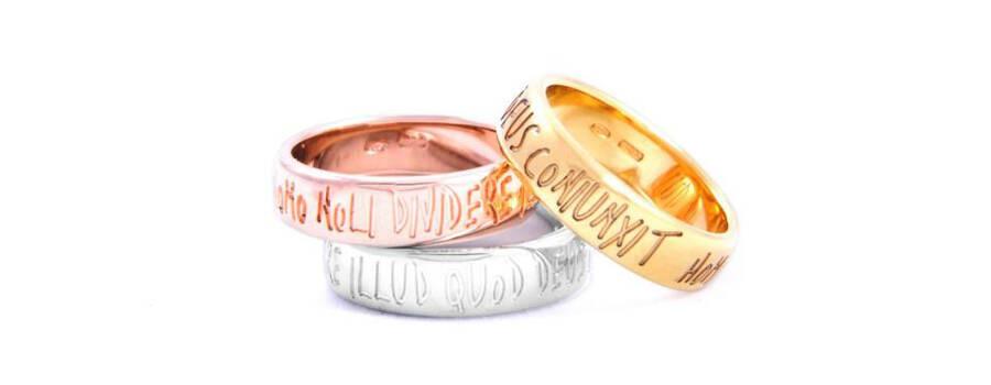 Lanfossi Gioielli - Fedi Eternity  La speciale frase incisa rievoca l'antica formula del matrimonio. Ad ogni sguardo la promessa si Rinnova.
