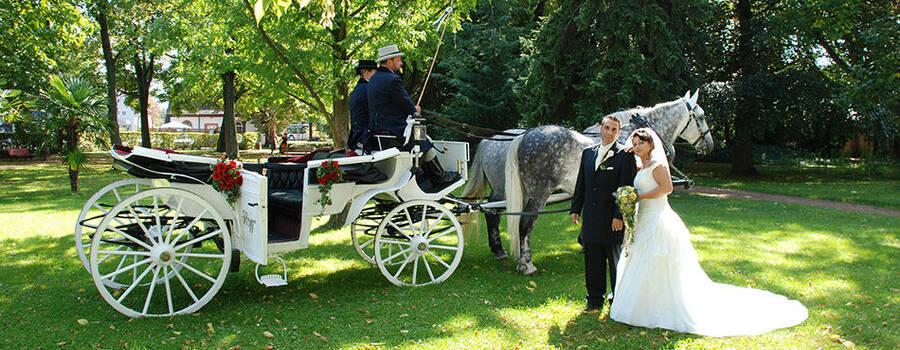 Beispiel: Weiße Viktoria- Kutsche, Foto: Kutschfahrten Weber.