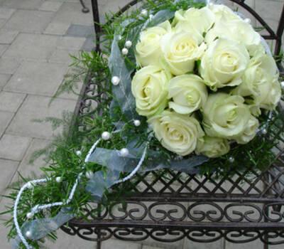 Beispiel: Wunderschöne Sträuße für Bräute, Foto: Haus Blumengeschäft und Gärtnerei.