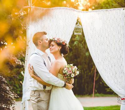 Hochzeitsfotograf Berlin Brandenburg, Vintage Hochzeit, Hochzeit im Vintagestil, Gartenhochzeit, Blumenkranz, Boho-Hochzeit,