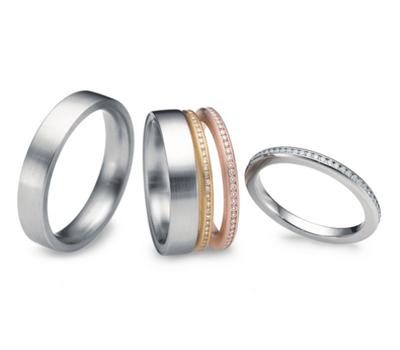 Beispiel: Verlobungs- und Eheringe, Foto: Ellen Zoller.
