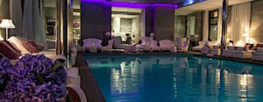 Les bains de lea mari es for Bains de lea paris