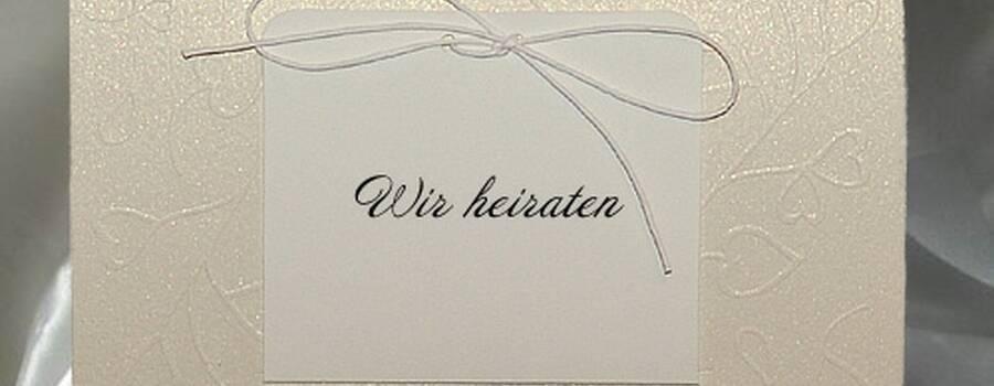 Beispiel: Hochzeitseinladung, Foto: Deko & Co.