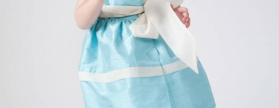 Vestido de seda salvaje color turqueda