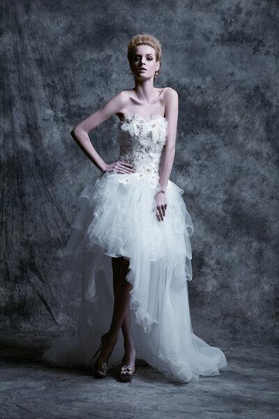Suknia ślubna z kolekcji Unielle Couture 2012