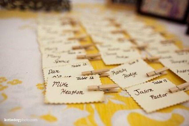 Ideias para marcar o lugar dos convidados no seu casamento. Foto: Katieday