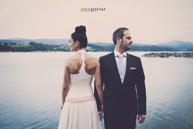 Vestidos de noivas reais com decotes nas costas. Foto: Anais Gandiaga