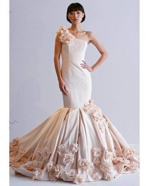 Suknia ślubna z kolekcji Dennis Bassos, jesień 2013