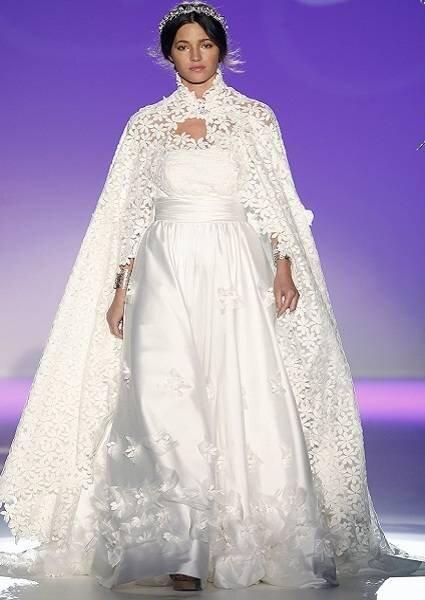Vestido de noiva Carla Ruiz. Foto: Ugo Camera / Barcelona Bridal Week