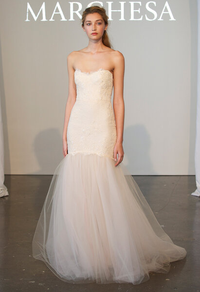 Suknia ślubna z kolekcji Marchesa 2015 - New York Bridal Week