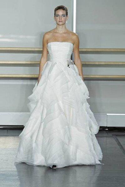 Vestido de noiva Rivini, coleção Outono 2013. Foto: www.rivini.com