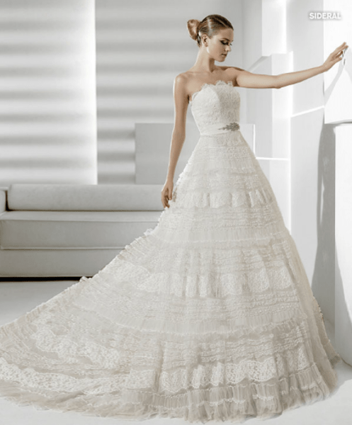Vestido de novia 2012, Strapless y corte princesa de la Sposa