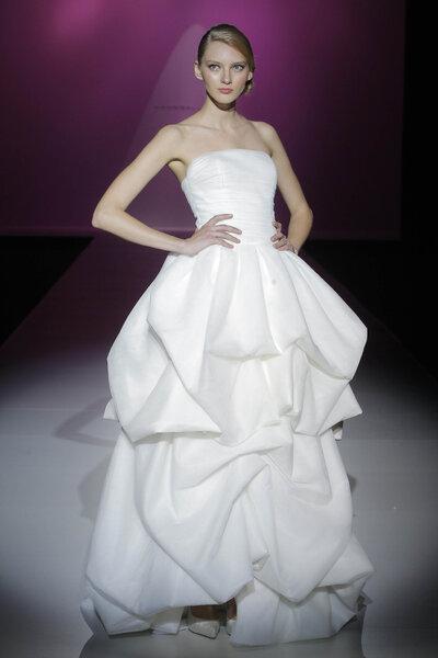 Colección Vestidos de novia Hannibal Laguna 2014