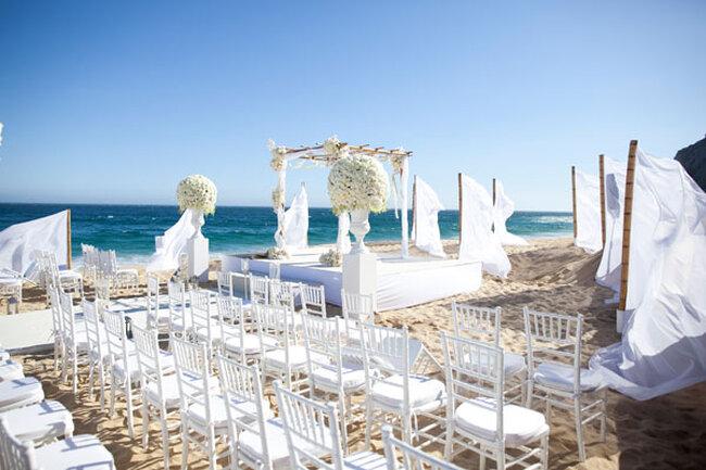 Elementos para a decoração de um casamento na praia