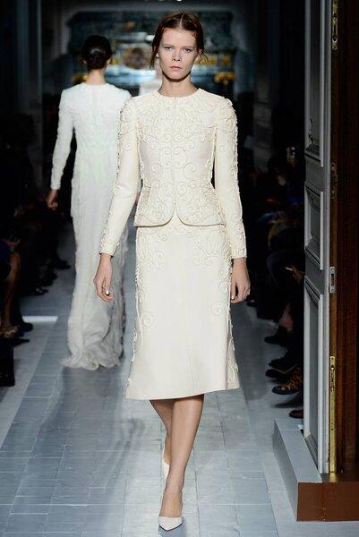 Conjunto de falda y blusa de mangas largas para boda civil