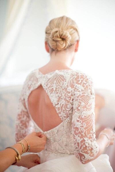 Penteado de noiva com coque 2017.