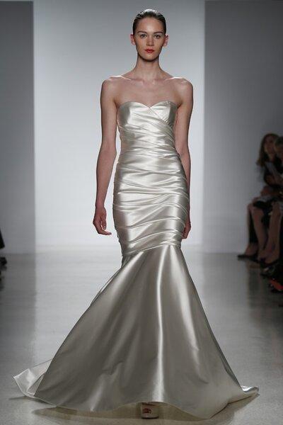 Vestidos de novia primavera 2015 de Kenneth Pool