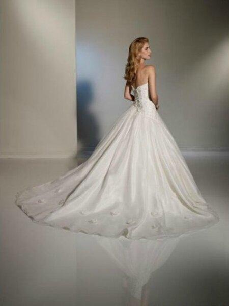 Robe de mari e bustier lac e dans le dos for Magasins de robe de mariage dans le minnesota