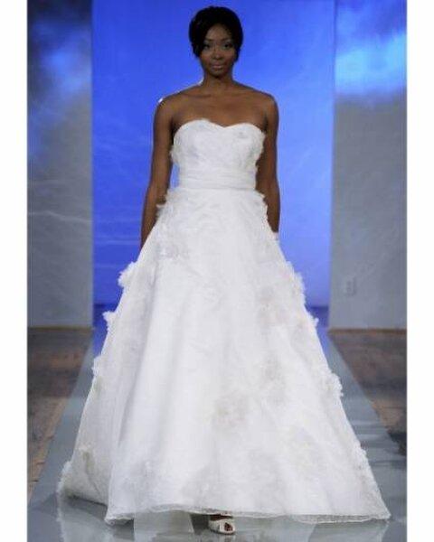 Vestido de noiva da coleção Outubro 2013 de Birnbaum e Bullock. Foto: Birnbaum and Bullock