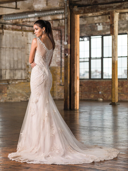 Style 9825, Justin Alexander Signature.