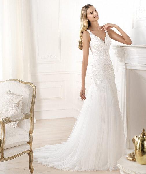Suknia ślubna z kolekcji Pronovias Fashion 2014, model: LABERNE