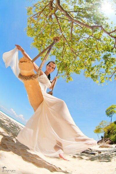 Balanço para um casamento na praia. Foto: via Pintarest de TropicPic Photography