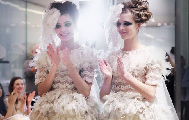 Vestidos de noiva top de estilistas internacionais. Foto: Benoît Peverelli para Chanel