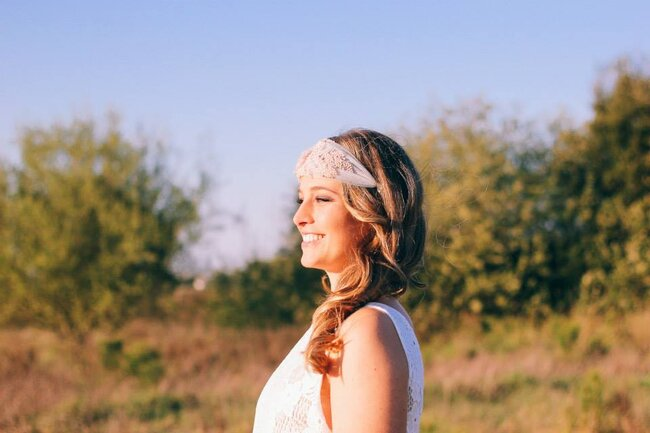 Headband de inspiração vintage.
